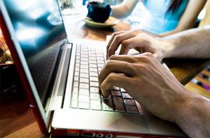 Путин призвал защищать права работающих в интернете