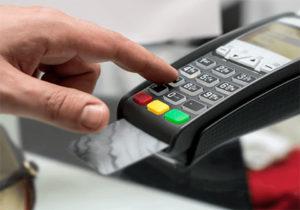 Все магазины обяжут принимать безналичную оплату